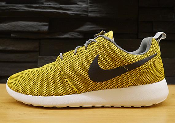 47478fddff46f Nike Roshe Run - Yellow - Grey - SneakerNews.com