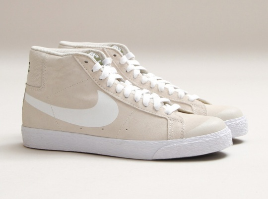 Nike SB Blazer Premium SE – Light Ore – Wood Brown