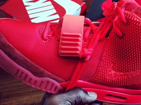 """Victor Cruz Shows Off """"Red October"""" Nike Air Yeezy 2"""