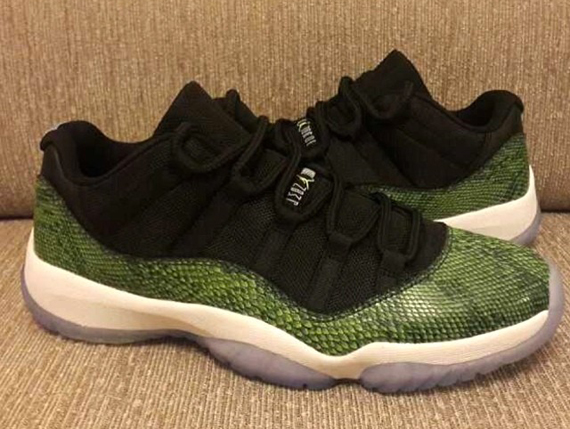 separation shoes a57cc befe4 Air Jordan 11 Low Retro
