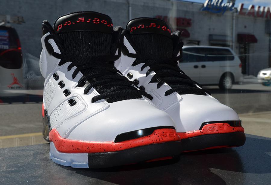 Air Jordan 17.06.23 Blanc / Infrarouge 23 / Noir