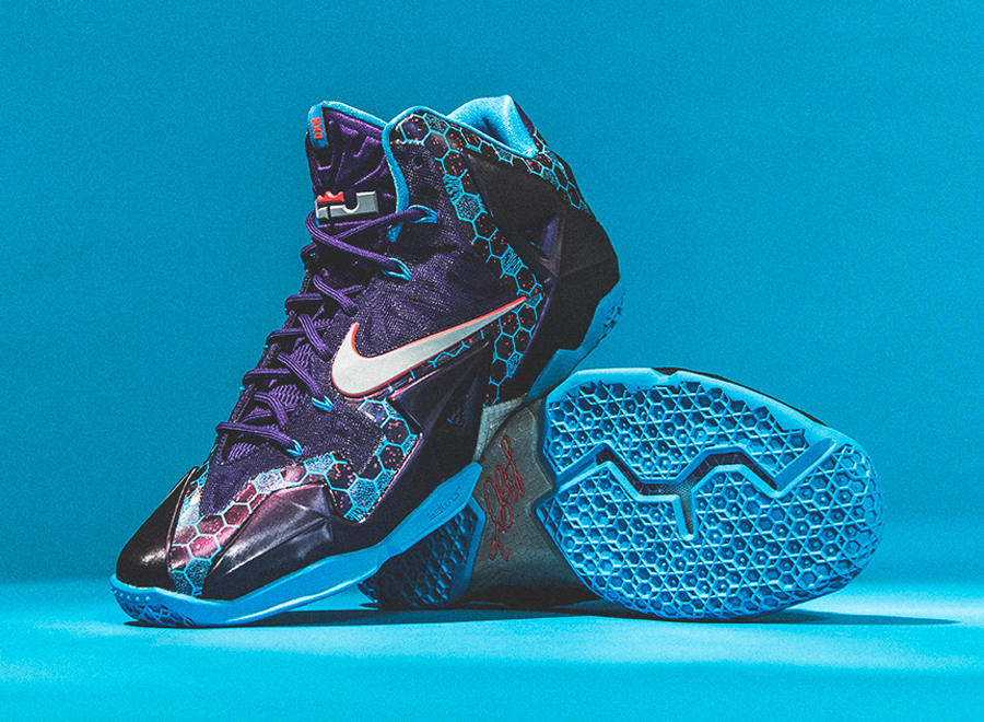 """Nike LeBron 11 """"Hornets"""" – Arriving at Retailers"""