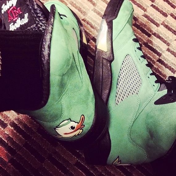 "Johnny Manziel Shows off his Own PE of the Air Jordan 5 ""Oregon"" cb4358fa60"