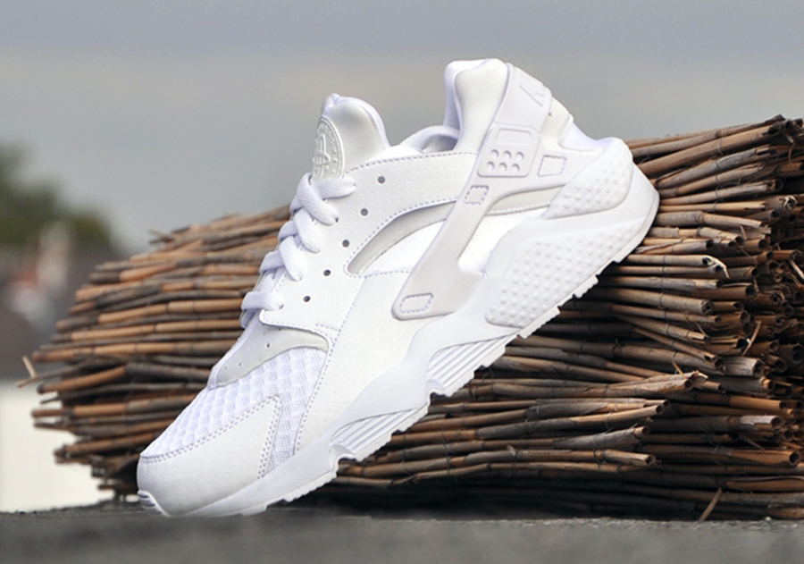 air huarache all white