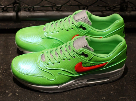 82e19f616e Nike Air Max 1 FB Mercurial