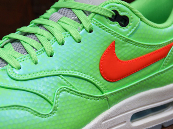 """The Nike Air Max 1 FB lives on. The model made quite a splash when it  debuted last year thanks to various colorways like the """"Yeezy"""" mint tinted  one and the ... 0ab4d7071"""
