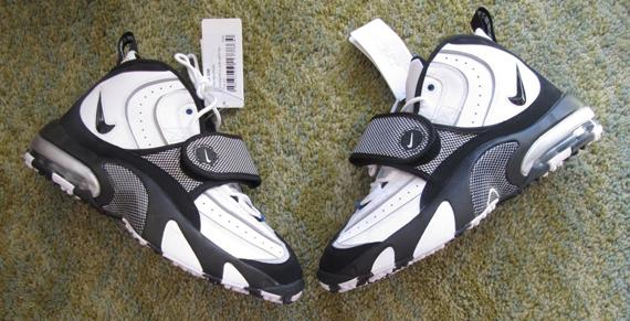 56e4f79c25df Nike Air Pro Streak - 2014 Retro Sample - SneakerNews.com