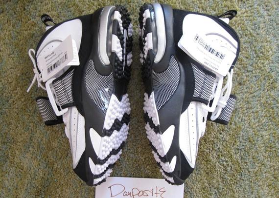 Nike Air Pro Streak - 2014 Retro Sample - SneakerNews.com 48b9f41e0