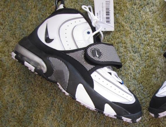 Nike Air Pro Streak Max - SneakerNews.com 57ffa9171