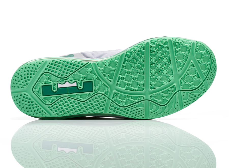 1d0ee91bee1c4 Nike Unveils the LeBron 11 Low