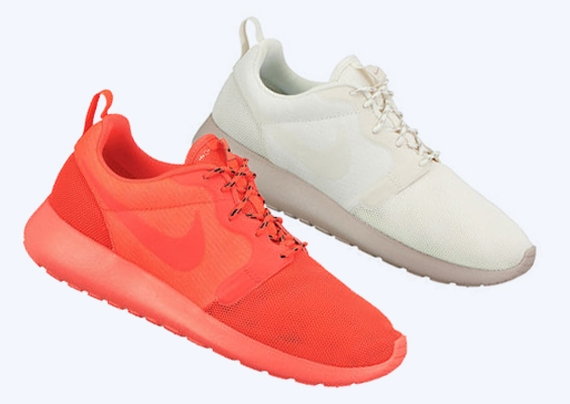 "75cd1d02df47 Does this Nike Roshe Run set remind you at all of a certain group of Nike  Air Max 90 Hyperfuses that released last year  We re talking about the  ""USA"" set ..."