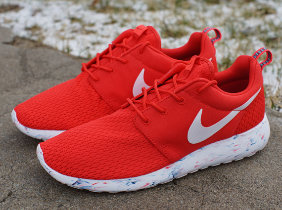 Nike Roshe Run Quot Marble Quot Challenge Red Sneakernews Com