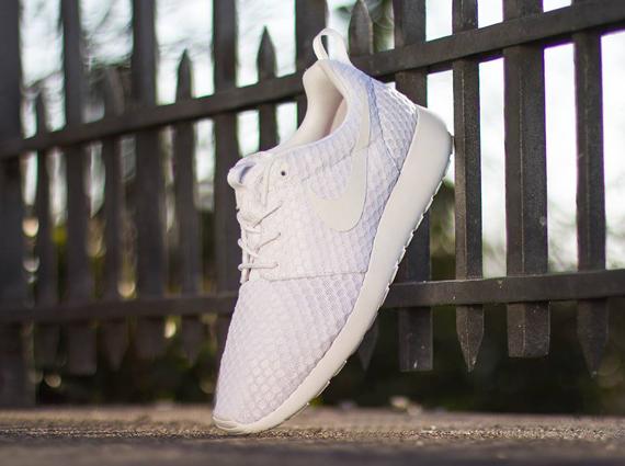 Nike Roshe Ejecutar Malla Blanca zCH99