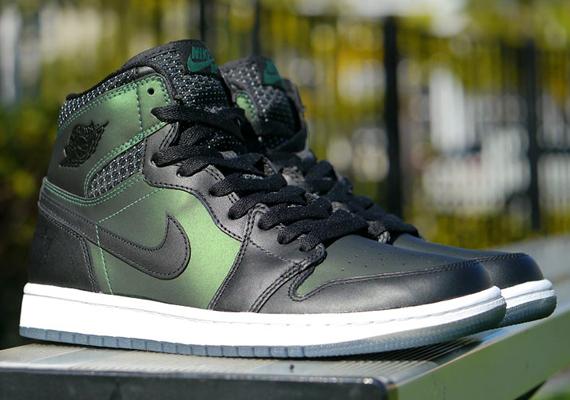 Nike SB Air Jordan 1 - Release Reminder - SneakerNews.com 569c01bdd