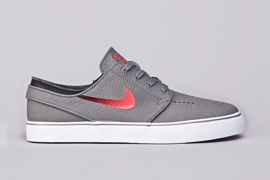 Size Fourteen Nike Shoes
