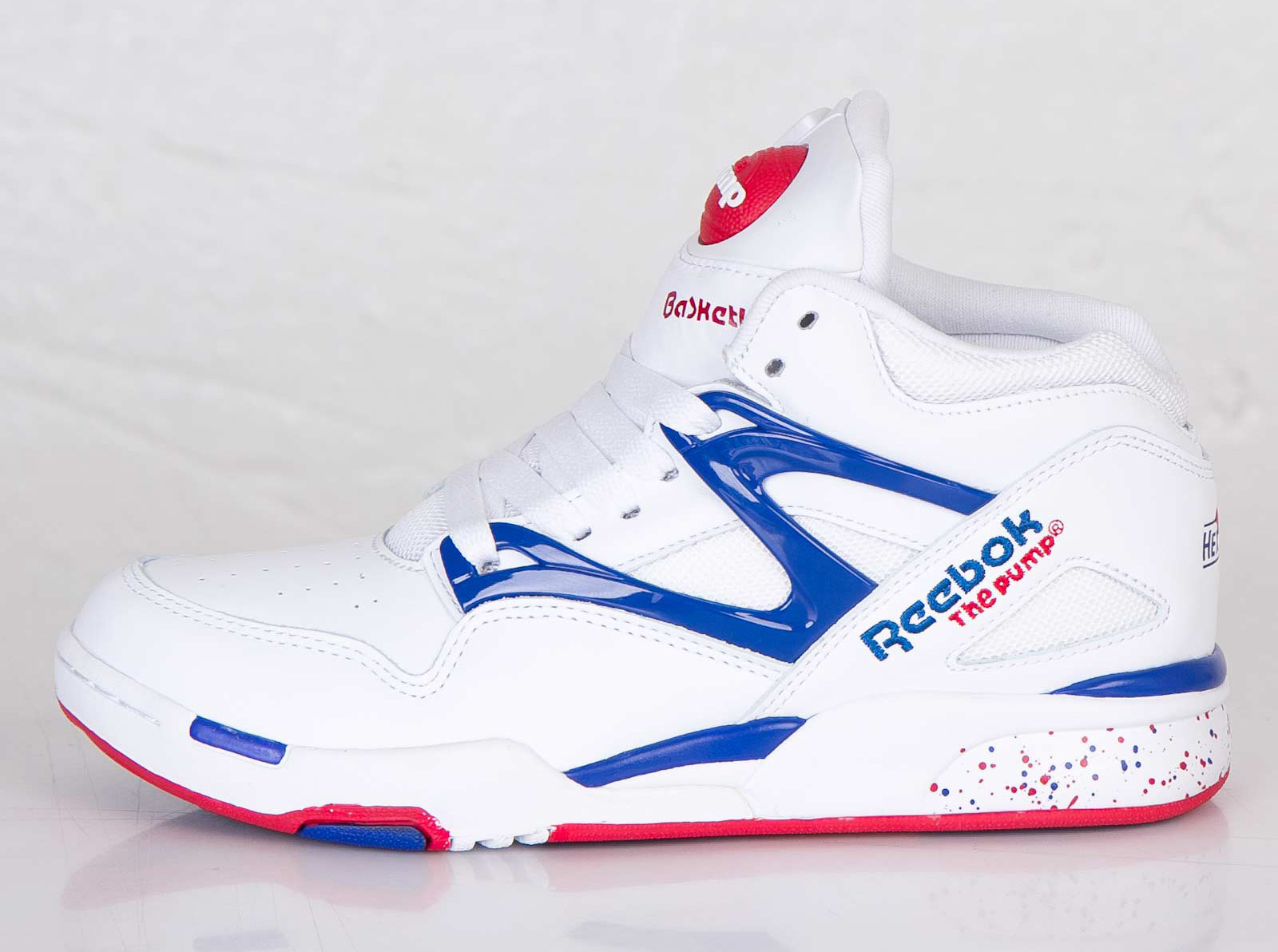 nike reebok Reebok shoes have been around for ages whether you need reebok pump shoes or reebok classic sneakers, we have what you need here at our outlet.