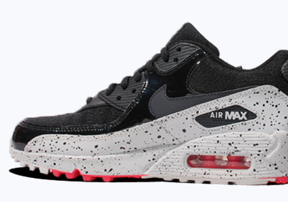 nike womens air max 90 trainers in black red and anthracite