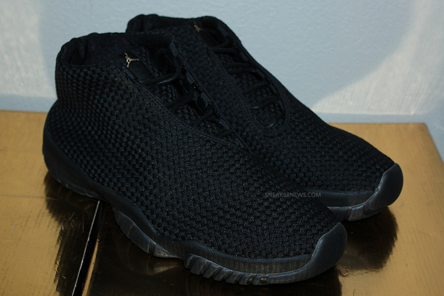 Air Jordan Futur Black-out