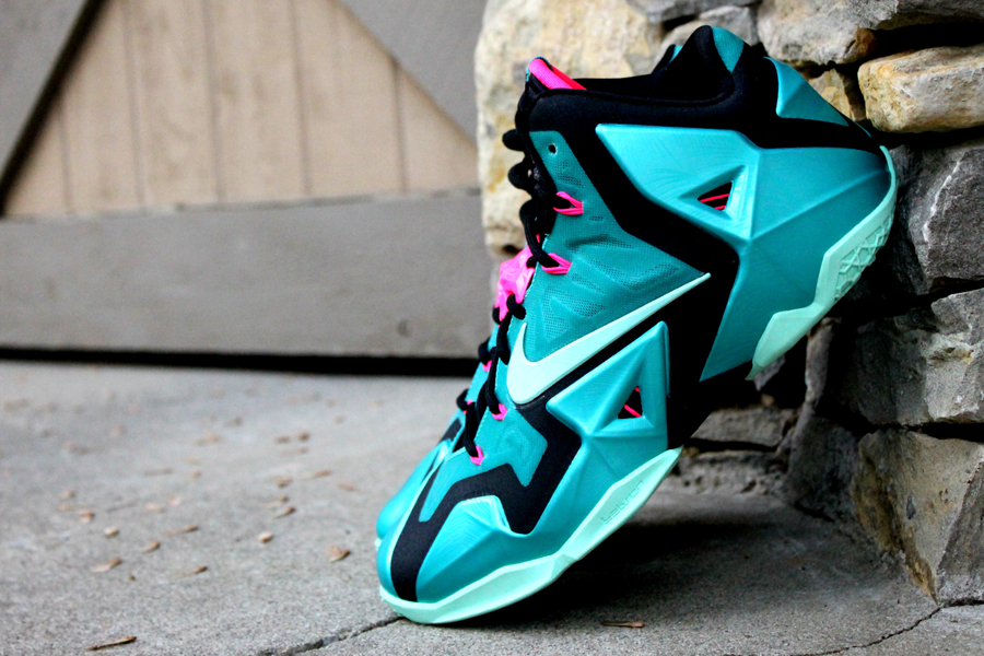 online store 047af 2d161 A Detailed Look at the Nike LeBron 11