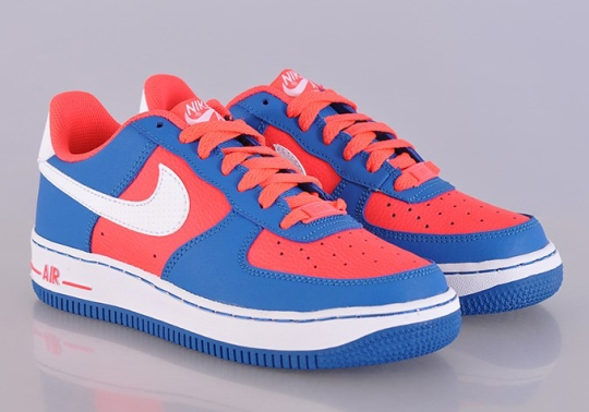 Nike Air Force 1 Low GS – Laser Crimson – Military Blue