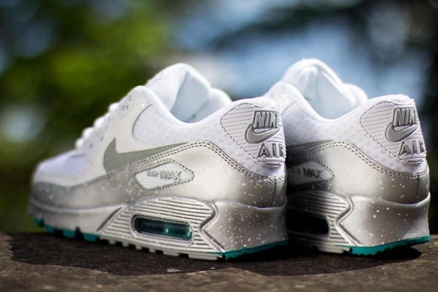 Nike Womens Air Max 90 Quot Speckle Quot White Metallic Silver