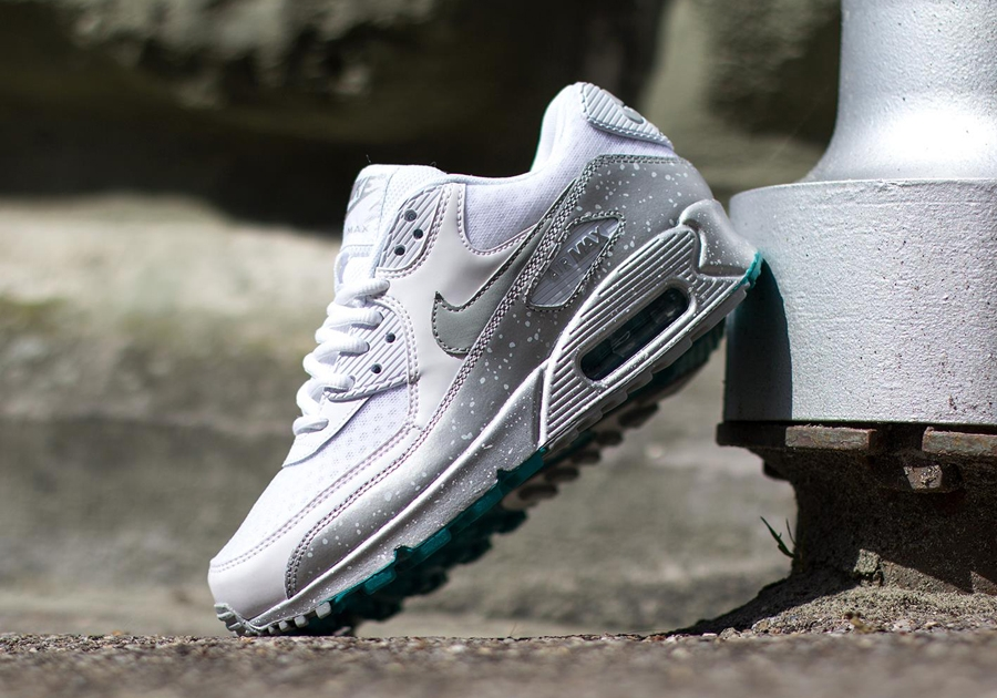 purchase cheap adf7d ae45e Nike Womens Air Max 90