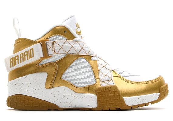 nike air raid metallic gold Nike Air Raid Metallic Gold White
