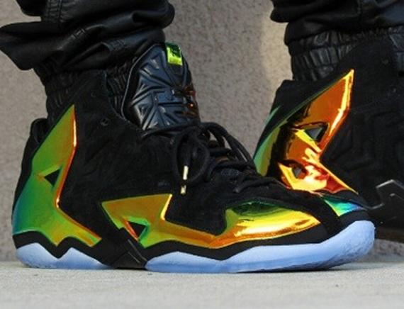 "Nike LeBron 11 EXT ""King's Crown"" - 152.4KB"