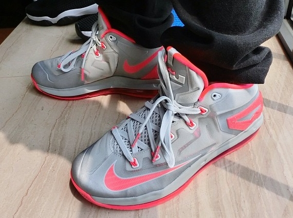 Nike Lebron 11 Faible - 2014 04 01 Nike Lebron 11 Faible Lumière Base Gris Laser Cramoisi Release Date Code Promo