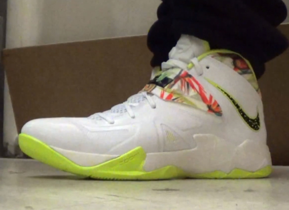 """first rate fa463 856a3 Nike Zoom LeBron Soldier 7 """"King s Pride"""""""