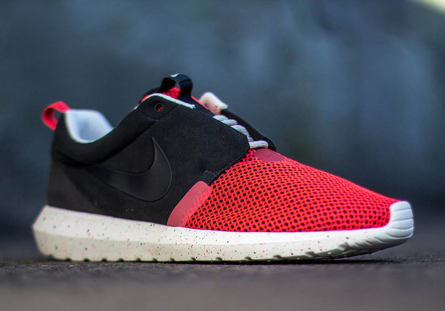 Nike Roshe Run Black Red Sail