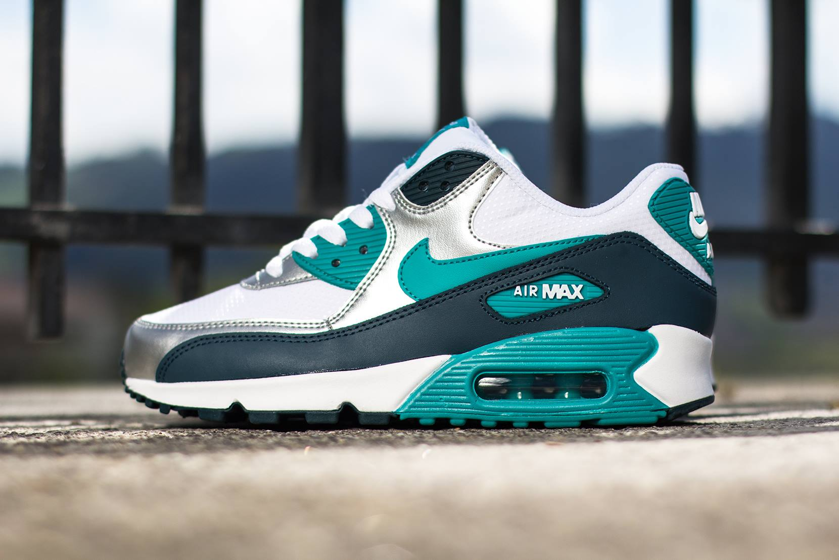 nike womens air max 90 white turbo green nightshade. Black Bedroom Furniture Sets. Home Design Ideas