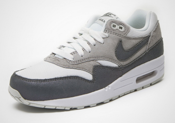 Nike Air Max Women White And Grey