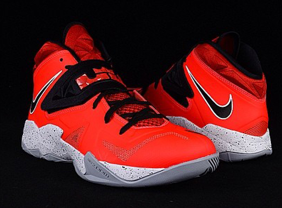 Nike Zoom LeBron Soldier 7