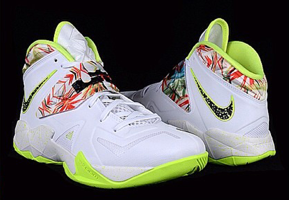 eef3a957510b Nike Zoom LeBron Soldier 7