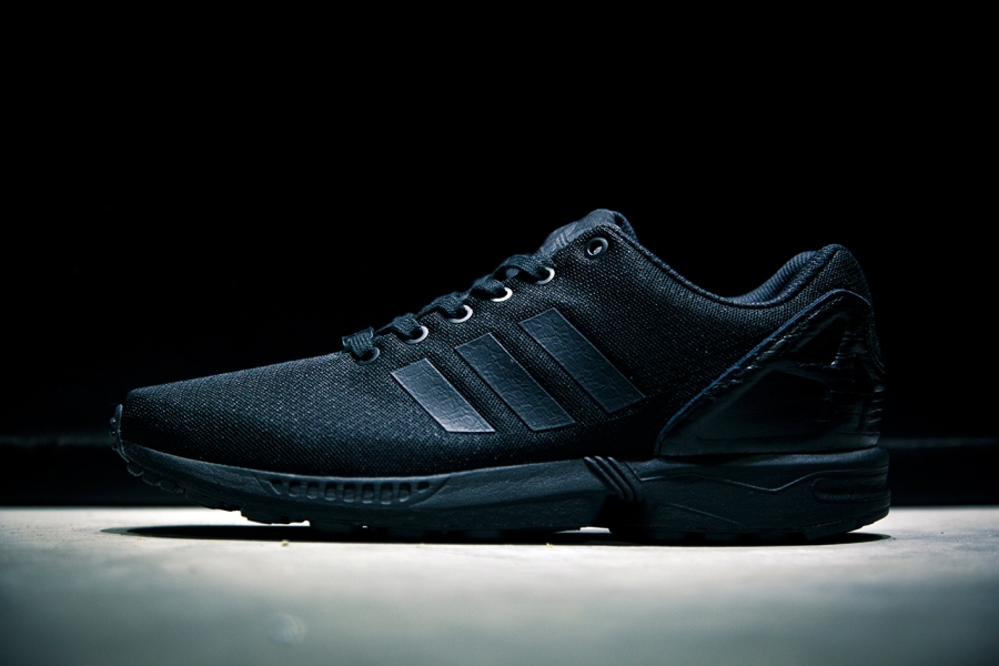 TXCQ760YEHK Adidas Originals New Arrival Black Zx Flux Sneakersb