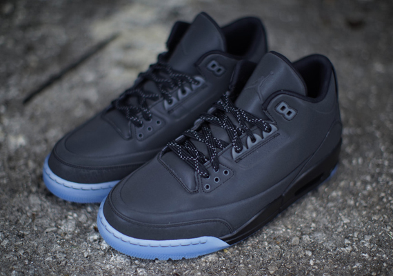 The Air Jordan 5Lab3 is coming back tomorrow in this black reflective look.  The sneakers aren't entirely dedicated to the blackout setup, as the bottom  has ...