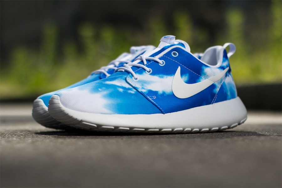 nike roshe run print quotsunrise amp blue skyquot sneakernewscom