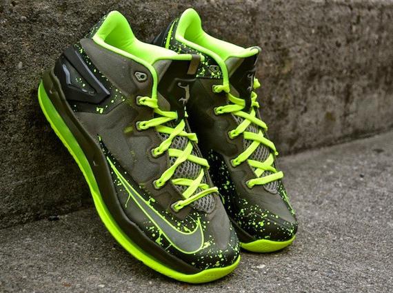 "Nike LeBron 11 Max Low ""Dunkman"" – Arriving at Retailers"