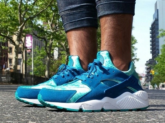 Nike Air Huarache Quot Green Abyss Quot Available Sneakernews Com