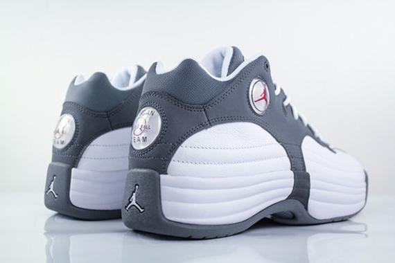 wholesale dealer e997a 27d3a Jordan Jumpman Team 1 - White - Gym Red - Cool Grey ...