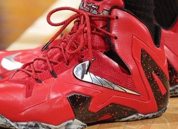 LeBron James Debuts New Nike LeBron 11 Elite PE Against Pacers