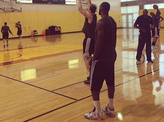 LeBron James Practices in What the LeBron 11