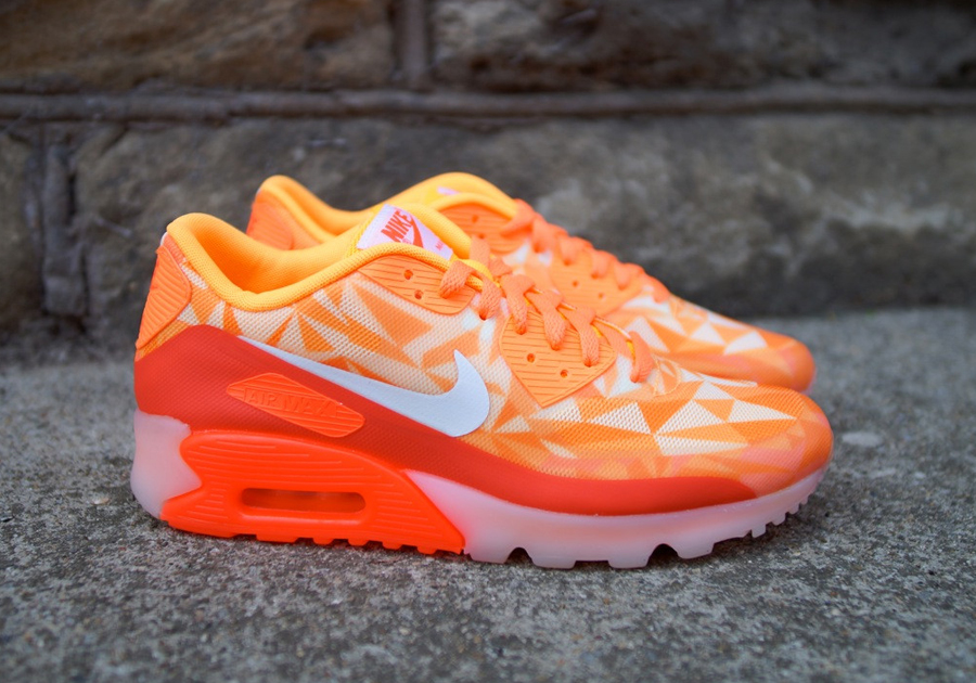 Boys' Air Max 90 Lifestyle Shoes. Nike