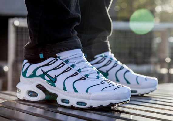 Nike Air Max Plus Quot Turbo Green Quot Sneakernews Com