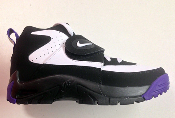 032904b65b Nike Air Mission - Black - Court Purple - SneakerNews.com