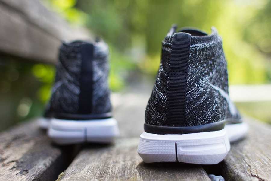 Nike Flyknit Libre Gris Oscuro Chukker wiGF7FFN