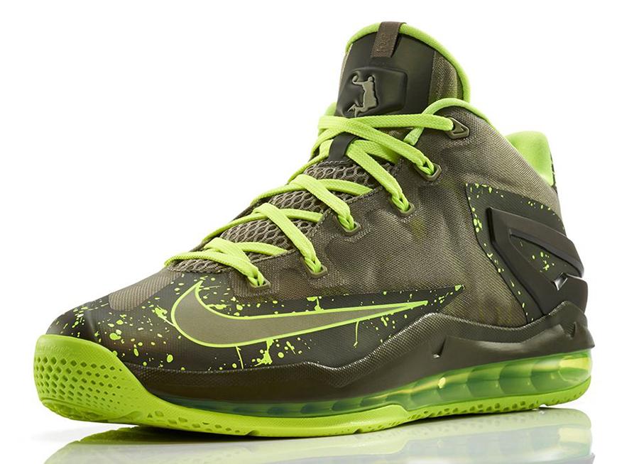 Nike LeBron 12 Christmas Akron Birch Date