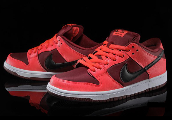 Nike SB Dunk Low Laser Crimson Team Red