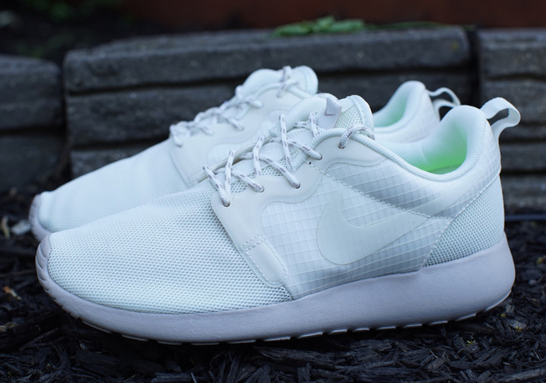 sale retailer 2bc3f c4932 Nike Womens Roshe Run HYP